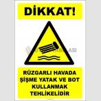 EF2399 - Dikkat! Rüzgarlı Havada Şişme Yatak ve Bot Kullanmak Tehlikelidir