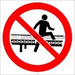 EF2932 - Konveyör Bant Üzerine Çıkmak Yasaktır İşareti/Levhası/Etiketi